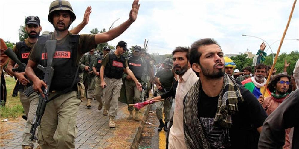 بازی با ارتش و بازی ارتش در تحولات پاکستان
