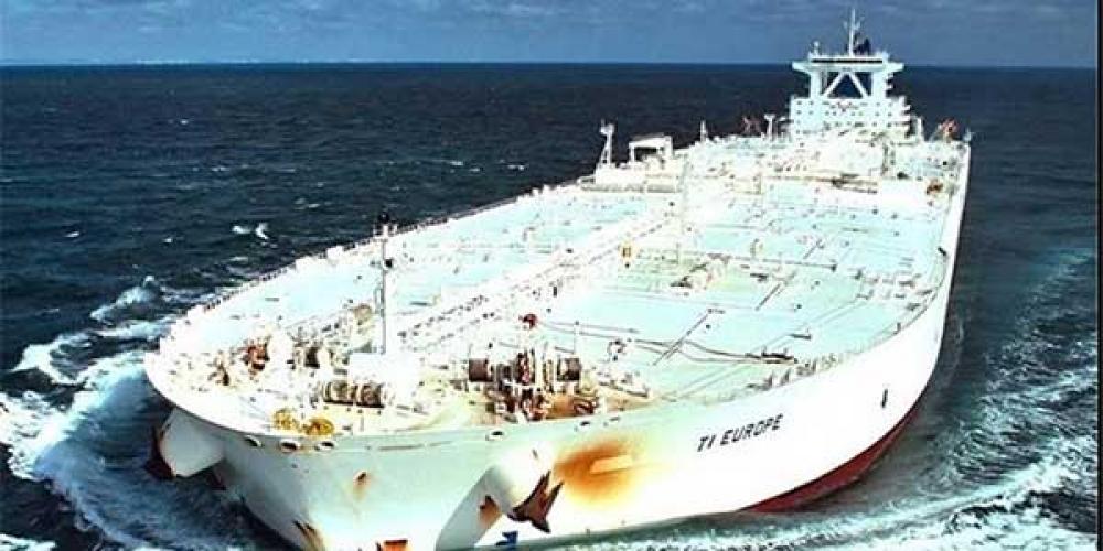 رویترز گزارش داد: تحریم دلاری، مانع انعقاد قراردادهای بزرگ نفتی با ایران شده است